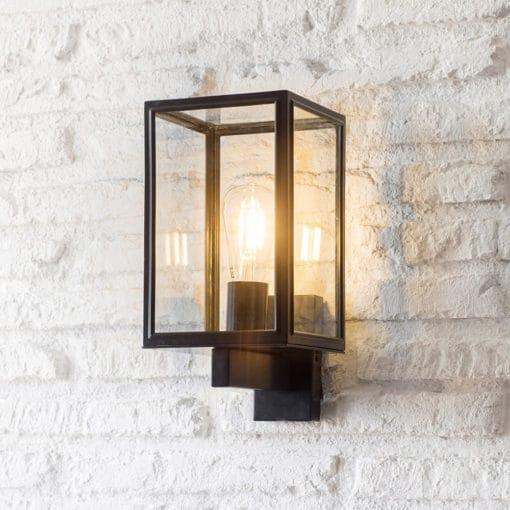 Belgrave Carriage Light